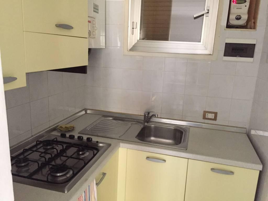 Appartamento in buone condizioni arredato in affitto Rif. 9290227