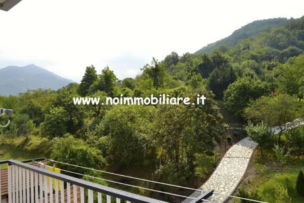 Montoggio mq80 ristrutturati balcone posto auto