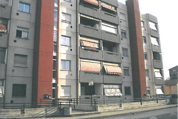 Appartamento in vendita a Collegno, 4 locali, prezzo € 75.000   CambioCasa.it
