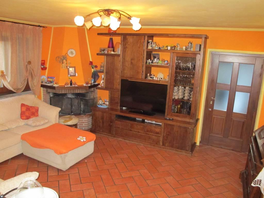 Appartamento in Vendita a Marliana Periferia: 4 locali, 128 mq