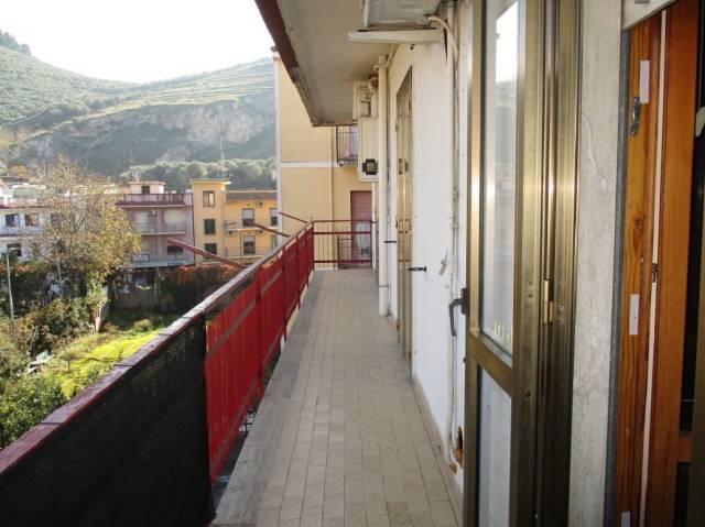 Appartamento in vendita a San Felice a Cancello, 3 locali, prezzo € 55.000 | Cambio Casa.it