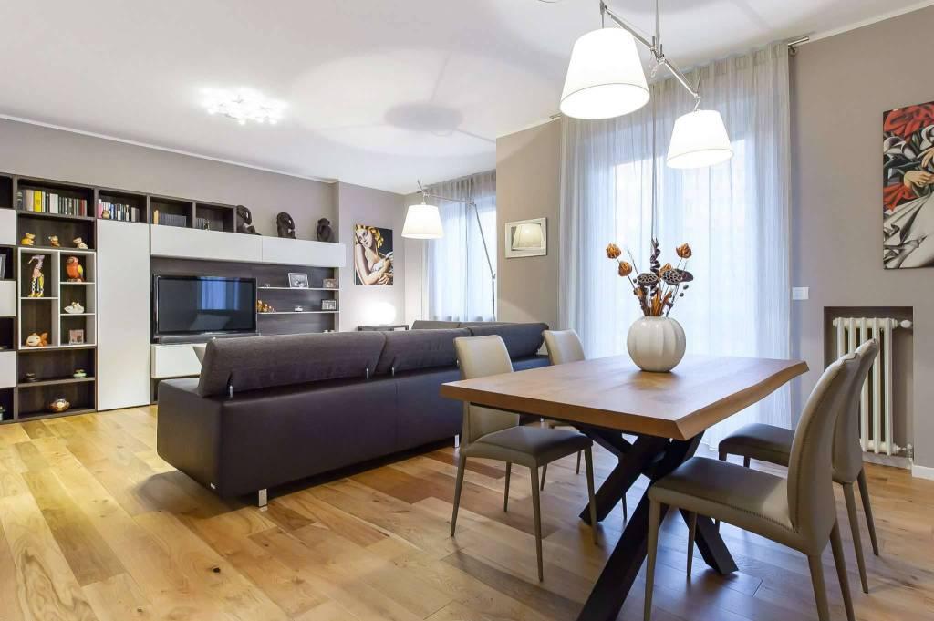 Appartamento in Vendita a Milano via palestrina 0