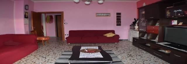 Appartamento in buone condizioni in vendita Rif. 4943045