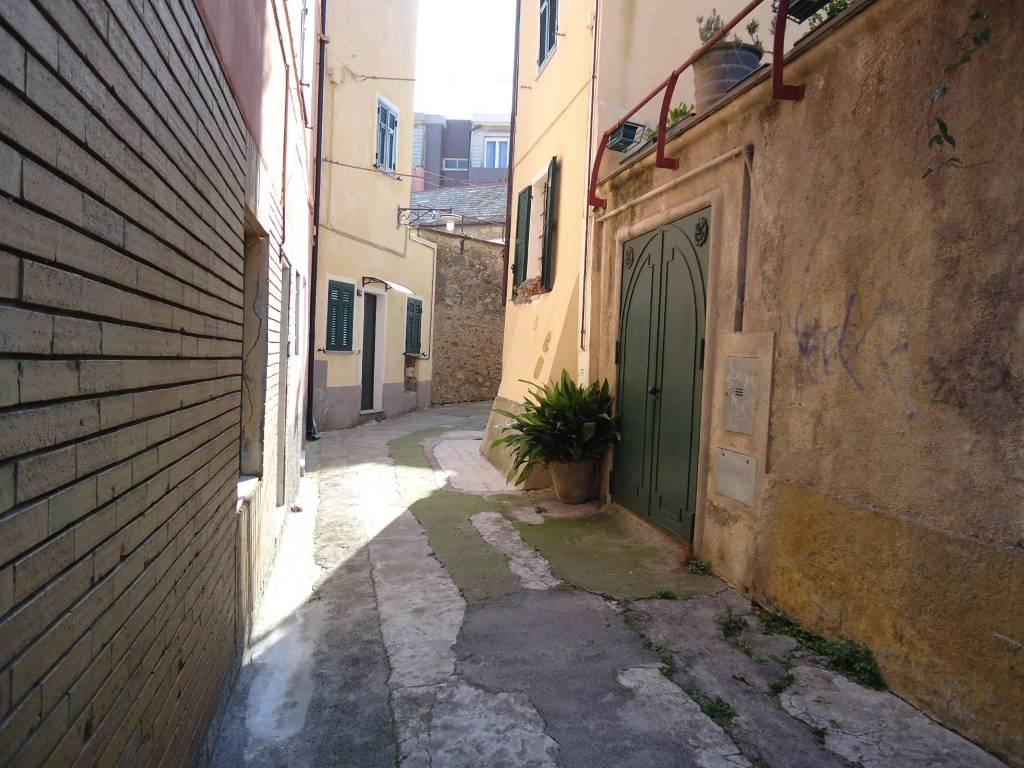 Soluzione Indipendente in vendita a Spotorno, 6 locali, prezzo € 550.000 | PortaleAgenzieImmobiliari.it