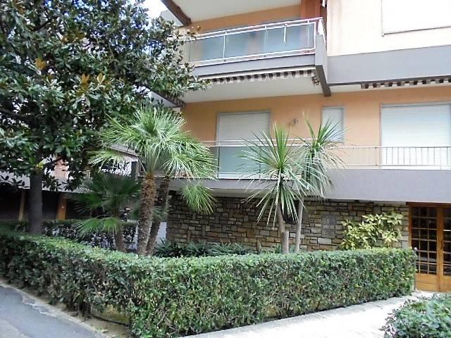 Appartamento in affitto a Bordighera, 2 locali, prezzo € 750   CambioCasa.it