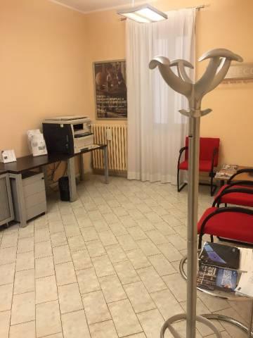 Ufficio / Studio in affitto a Pinerolo, 5 locali, prezzo € 750 | Cambio Casa.it