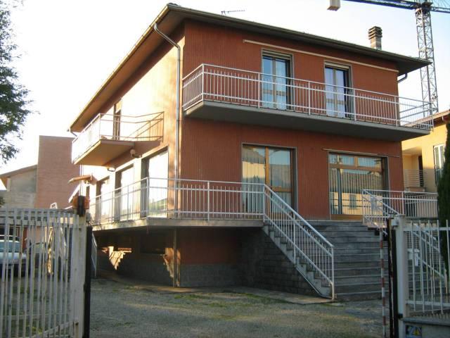 Villa in vendita a Borgarello, 4 locali, prezzo € 220.000   CambioCasa.it