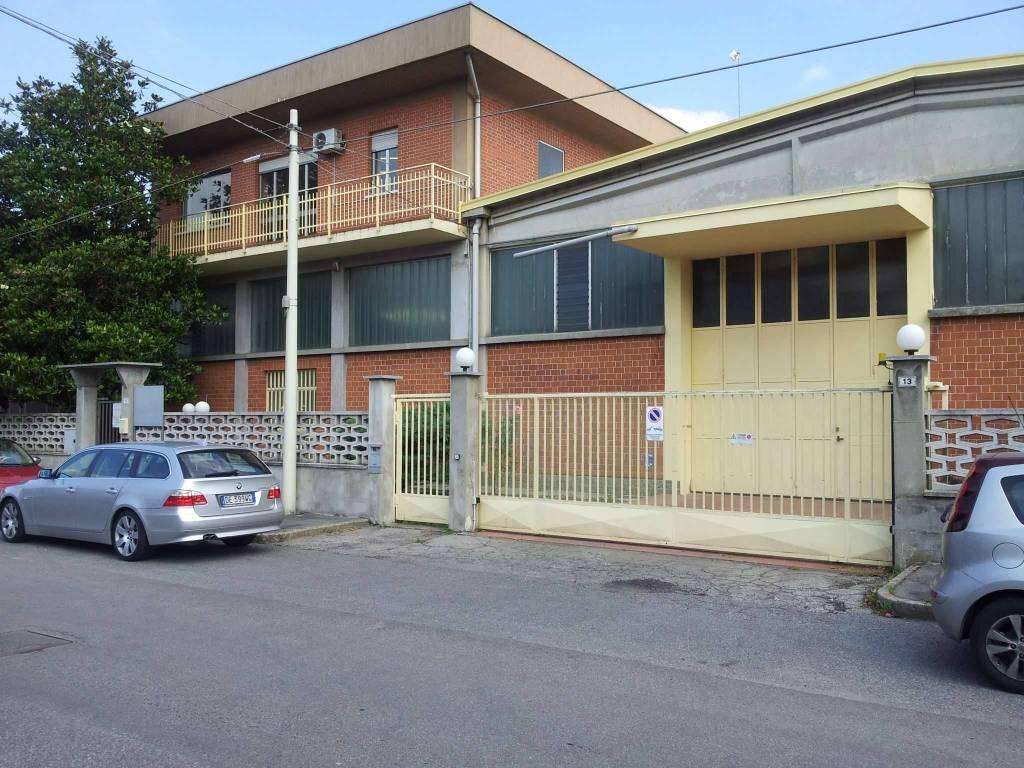 Capannone in affitto via galileo Bruino