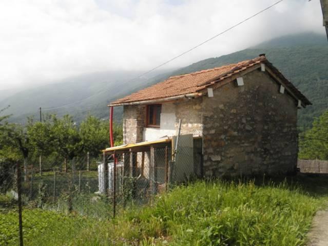 Rustico / Casale in vendita a Rota d'Imagna, 2 locali, prezzo € 22.500 | CambioCasa.it