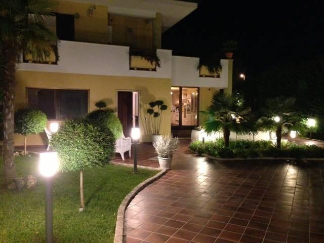 Villa in ottime condizioni in vendita Rif. 4842894
