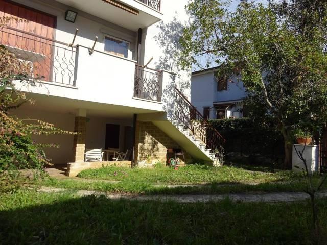 Villa in vendita a Santa Marinella, 4 locali, prezzo € 285.000 | Cambio Casa.it