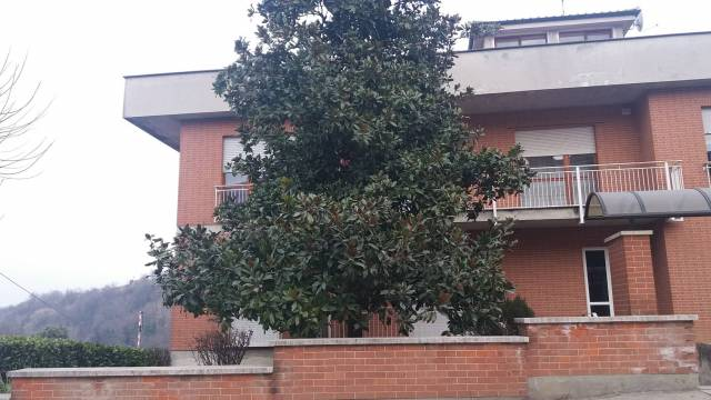 Appartamento in vendita a Cisterna d'Asti, 4 locali, prezzo € 52.000   Cambio Casa.it