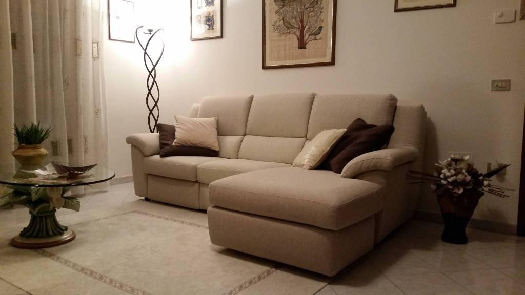 Appartamento in buone condizioni in vendita Rif. 4304449