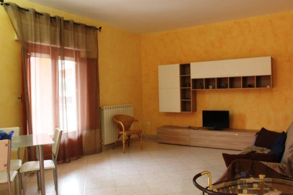 Appartamento in ottime condizioni in vendita Rif. 6372869