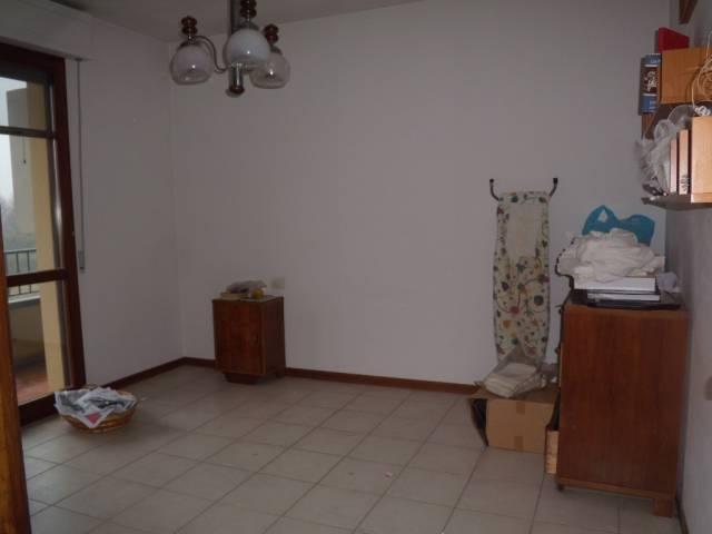 Appartamento in vendita a Agliana, 3 locali, prezzo € 120.000 | Cambio Casa.it