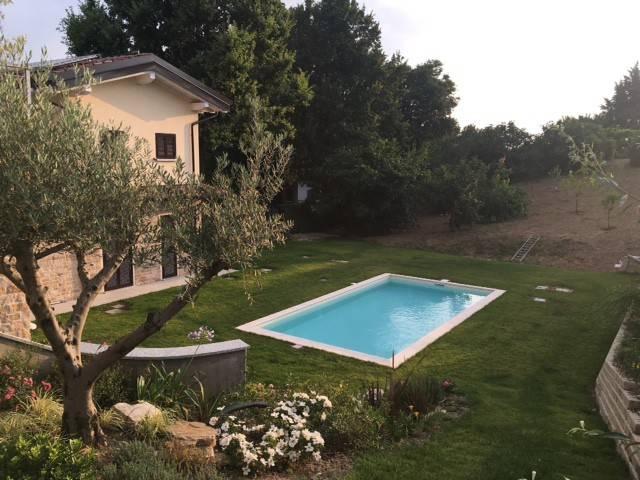 Villa in vendita a San Colombano al Lambro, 4 locali, prezzo € 590.000 | PortaleAgenzieImmobiliari.it