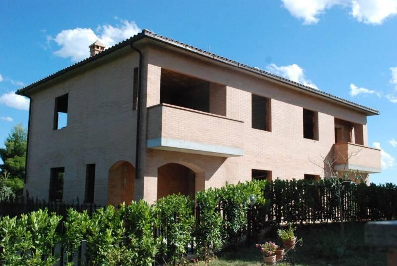 Appartamento in Vendita a Citta' Della Pieve Periferia: 3 locali, 70 mq