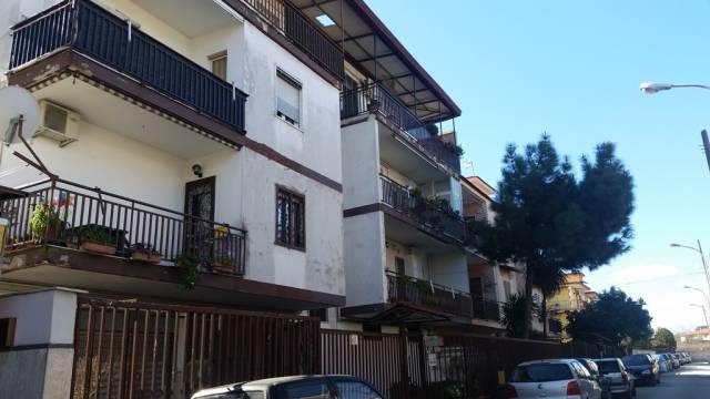 Appartamento da ristrutturare in vendita Rif. 4960328
