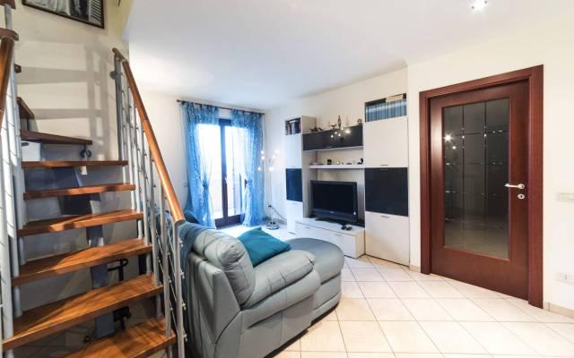 Appartamento in vendita a Montecosaro, 4 locali, prezzo € 175.000   CambioCasa.it