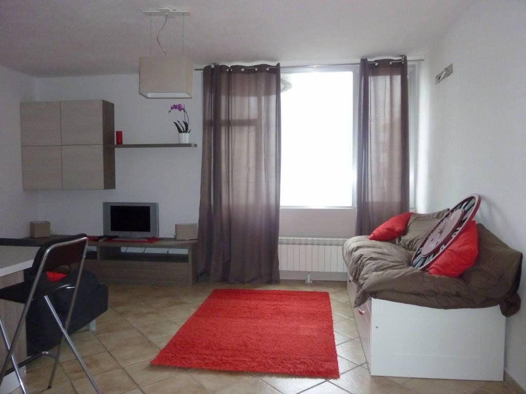 Appartamento in ottime condizioni arredato in vendita Rif. 7517146