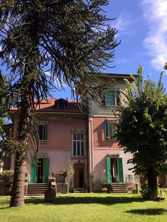 Villa in vendita a Malnate, 12 locali, prezzo € 490.000 | CambioCasa.it