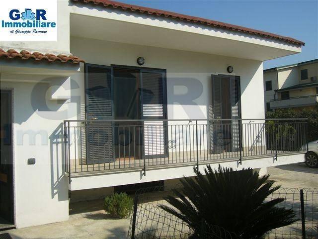 Appartamento in ottime condizioni in affitto Rif. 8973741