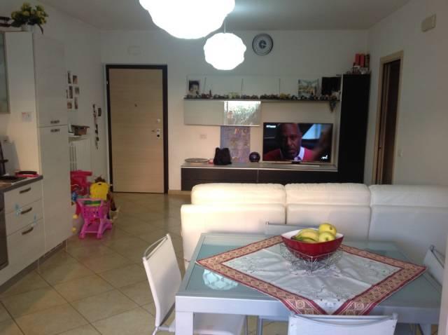 Appartamento in ottime condizioni in vendita Rif. 4202132