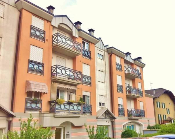 Appartamento in buone condizioni arredato in vendita Rif. 5003457