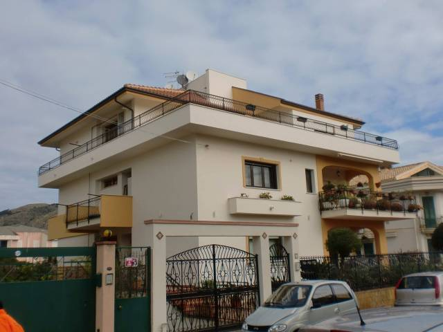 Attico / Mansarda in vendita a Santa Flavia, 4 locali, prezzo € 220.000 | Cambio Casa.it