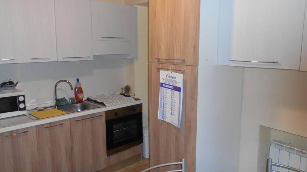 Appartamento in ottime condizioni arredato in affitto Rif. 7887879