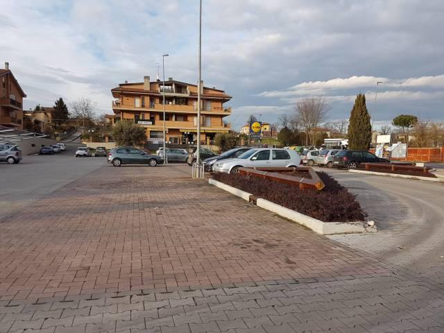 garage-Box-posto auto  in Vendita a Artena