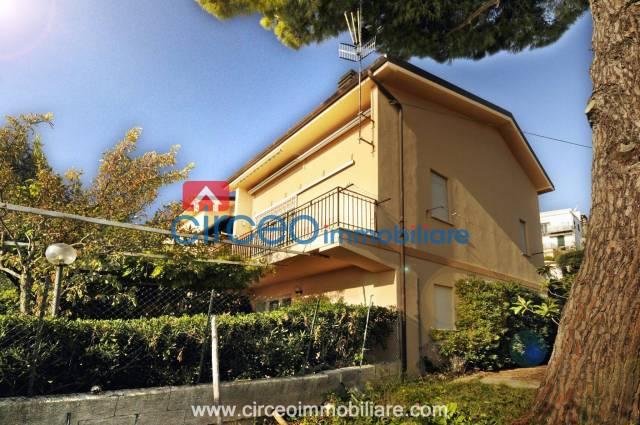 Vendita Rif. U04 - Appartamento in villa panoramico