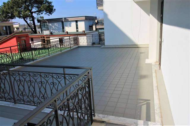 Appartamento in buone condizioni in affitto Rif. 5031721