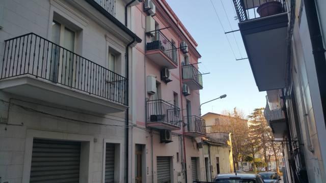 Appartamento in ottime condizioni in vendita Rif. 6946942