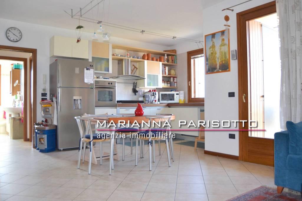 Appartamento in vendita a Mussolente, 3 locali, prezzo € 93.000 | PortaleAgenzieImmobiliari.it