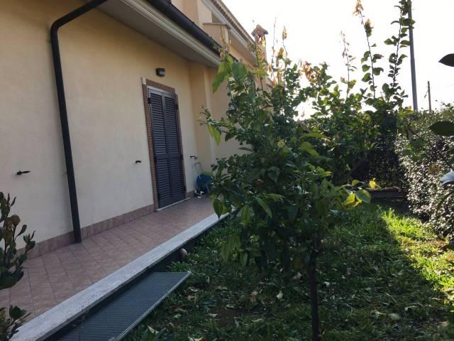 Villa in vendita a Fonte Nuova, 6 locali, prezzo € 259.000   CambioCasa.it