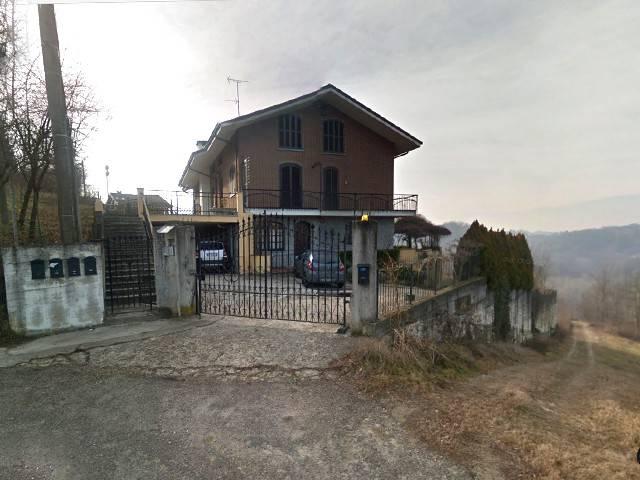 Villa in Vendita a Rocca d'Arazzo