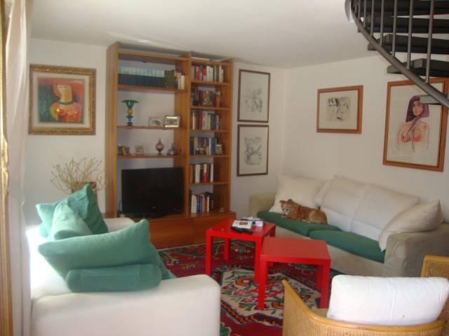 Appartamento in ottime condizioni arredato in vendita Rif. 4207687