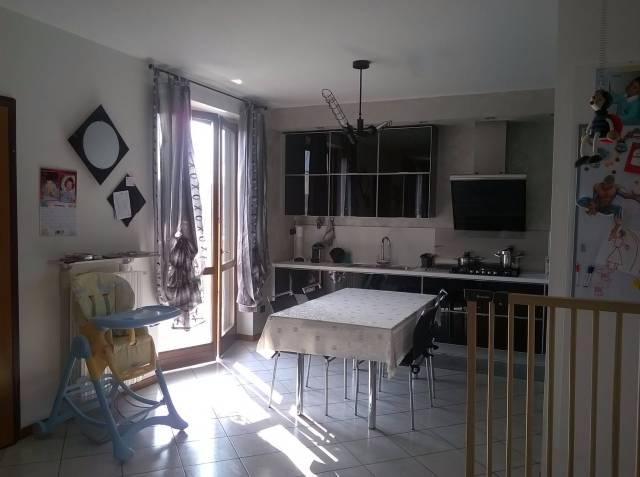 Appartamento in buone condizioni in vendita Rif. 4328664