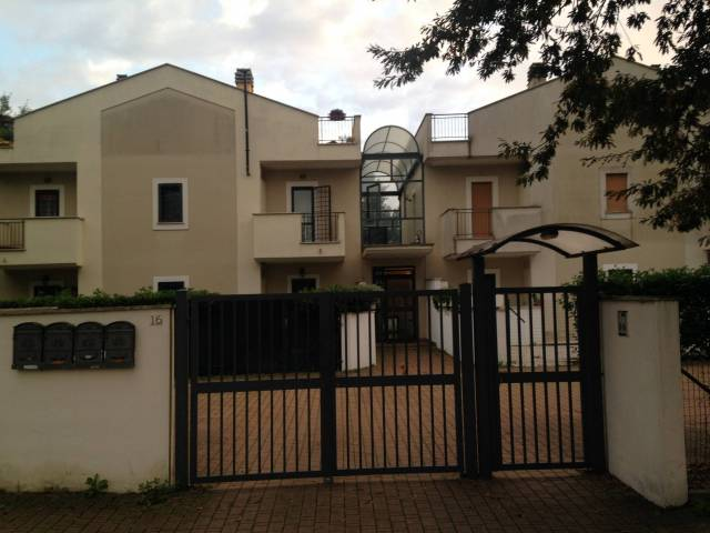 Appartamento in vendita a Anzio, 3 locali, prezzo € 99.000 | Cambio Casa.it
