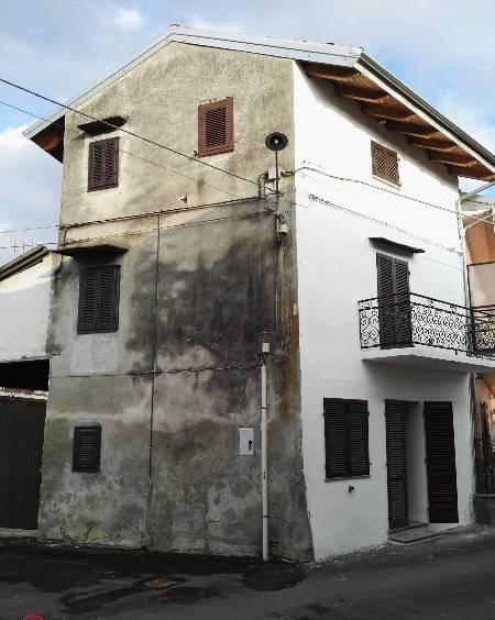 Casa Indipendente in buone condizioni in vendita Rif. 4413731