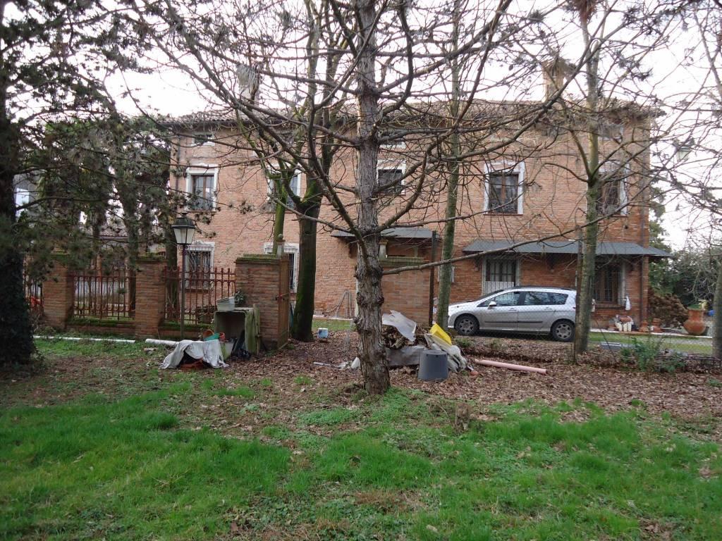 Villa in vendita a Cavezzo, 27 locali, Trattative riservate   PortaleAgenzieImmobiliari.it