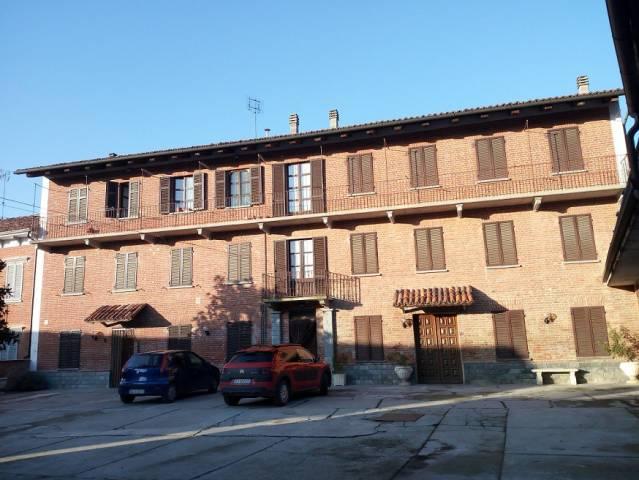 Appartamento in ottime condizioni arredato in affitto Rif. 4999003
