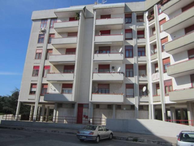 Appartamento in buone condizioni in vendita Rif. 4186200