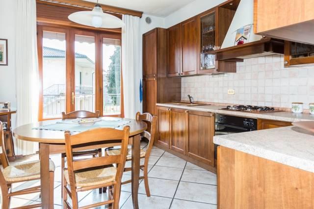 Appartamento in ottime condizioni in vendita Rif. 4530544