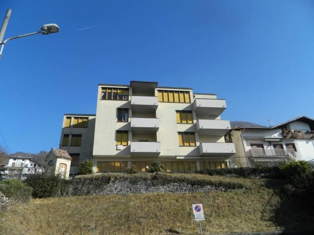 Appartamento in buone condizioni arredato in vendita Rif. 4937938