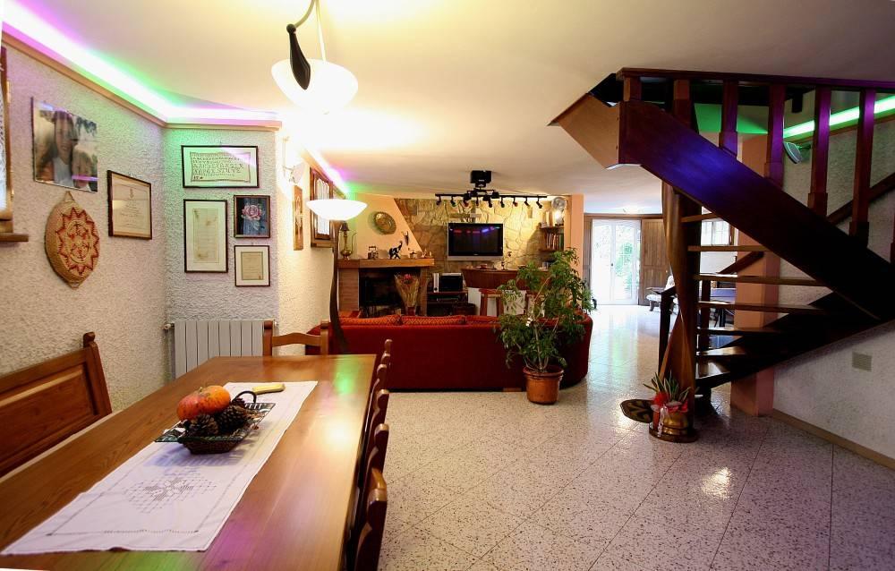 Villa in Vendita a Pisa Periferia Nord: 5 locali, 408 mq