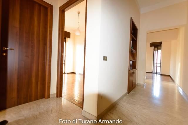 Appartamento in buone condizioni parzialmente arredato in affitto Rif. 4225138