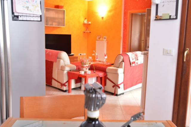 Appartamento in vendita a Sulbiate, 3 locali, prezzo € 153.000 | CambioCasa.it