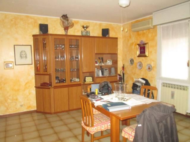 Appartamento in buone condizioni arredato in vendita Rif. 4235996